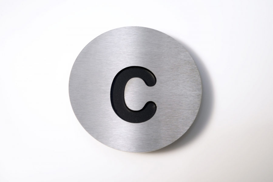 LETTER C SMALL BLACK